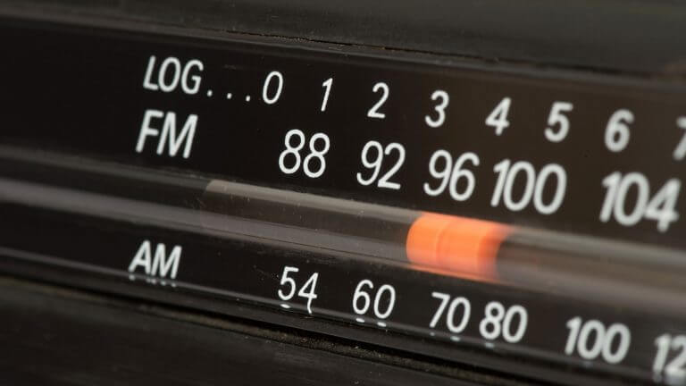 Make settings on the fm radio